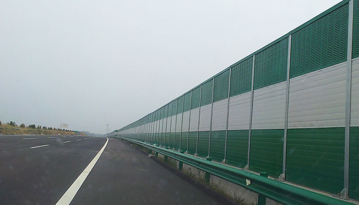 邯大高速公路声屏障案例01